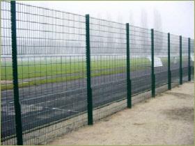 Piquets et barrières de châtaignier - Arédienne de Clôtures